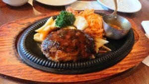 ハンバーグはカロリーは高いがダイエット中に食べてもやせる!こつは、とにかく間食をしないこと!