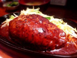 ハンバーグはカロリーは高いがダイエット中に食べてもやせる!ハンバーグがダイエットに使える理由。