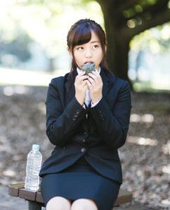 モデルは河村友歌さん。うどんのカロリーは?ダイエット中に食べるために気を付けるポイント。