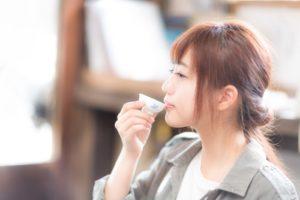 モデルは河村友歌さん。天ぷらのカロリーは高いがやせる。ダイエット中に食べてもやせられました!!