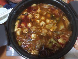 豚キムチ鍋はカロリーは高いがやせる。ダイエットに使える健康メニュー、おすすめキムチは鶴橋の山田商店です!