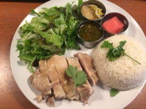 大阪で一押しのタイ食堂RAKのカオマンガイはカロリーは高いがやせる。ダイエットにもオススメ!