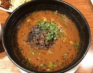 紅虎軒の黒ごま担々麺。