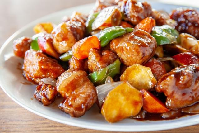 酢豚のカロリーは高いがダイエット中に食べてもやせる!豚肉のパリパリ具合が絶妙なおすすめ中華料理の店!