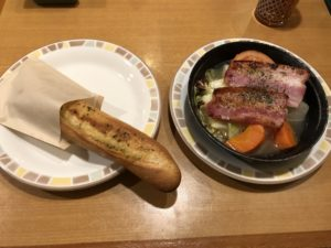 ポトフとガーリックトースト