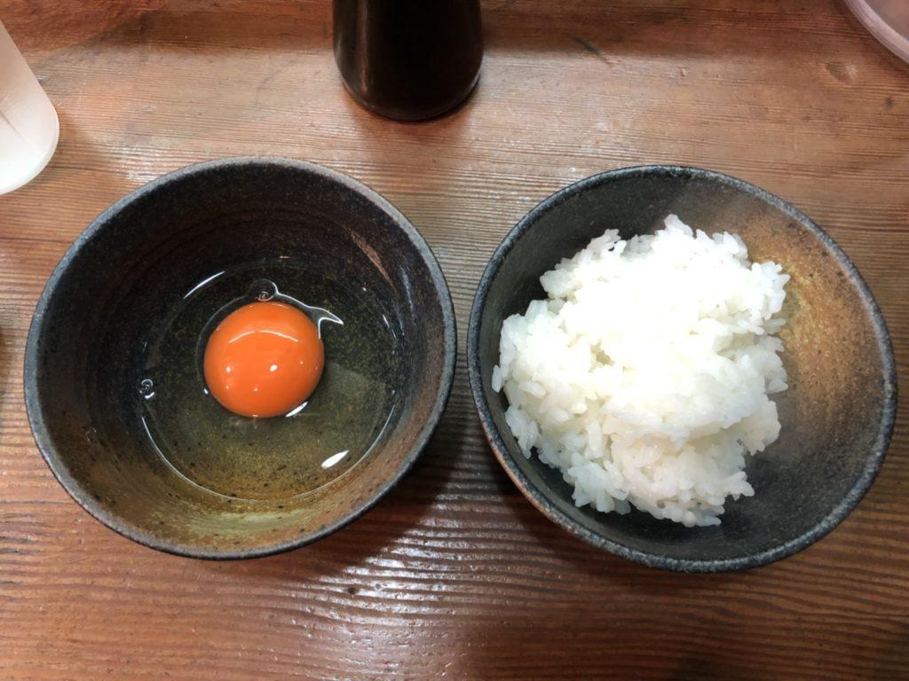 麺屋 はなぶさのご飯と卵