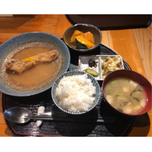 たらのみぞれ煮はカロリーが低くダイエット中に食べても痩せる!大阪本町のビジネス街でおいしいランチを食べてきた!